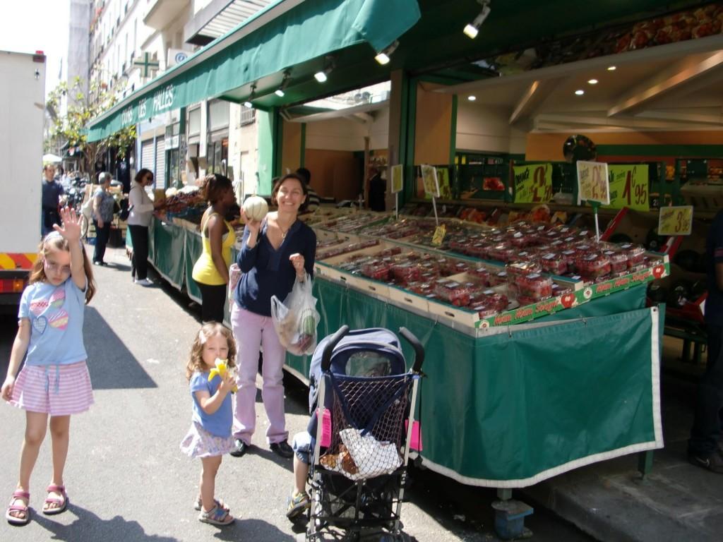 Marche au Fruit a Paris